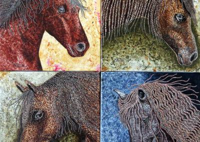 4 tableaux «Cheval pointillé» en 30X30cm